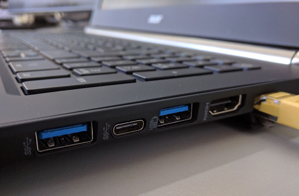 cara cas laptop dengan USB type-C